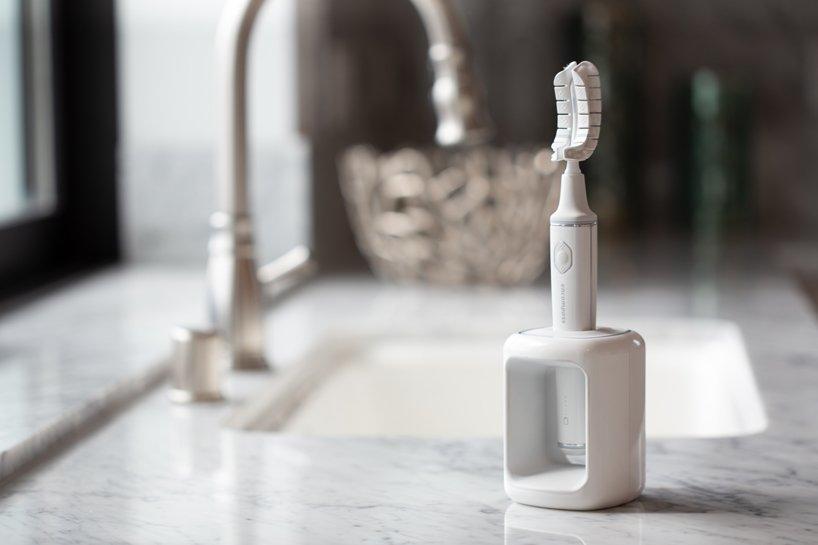 Инновационная зубная щетка. Вы почистите зубы за 20 секунд!