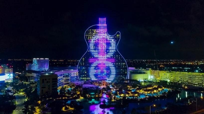 Во Флориде открывается первый в мире гигантский отель в форме гитары