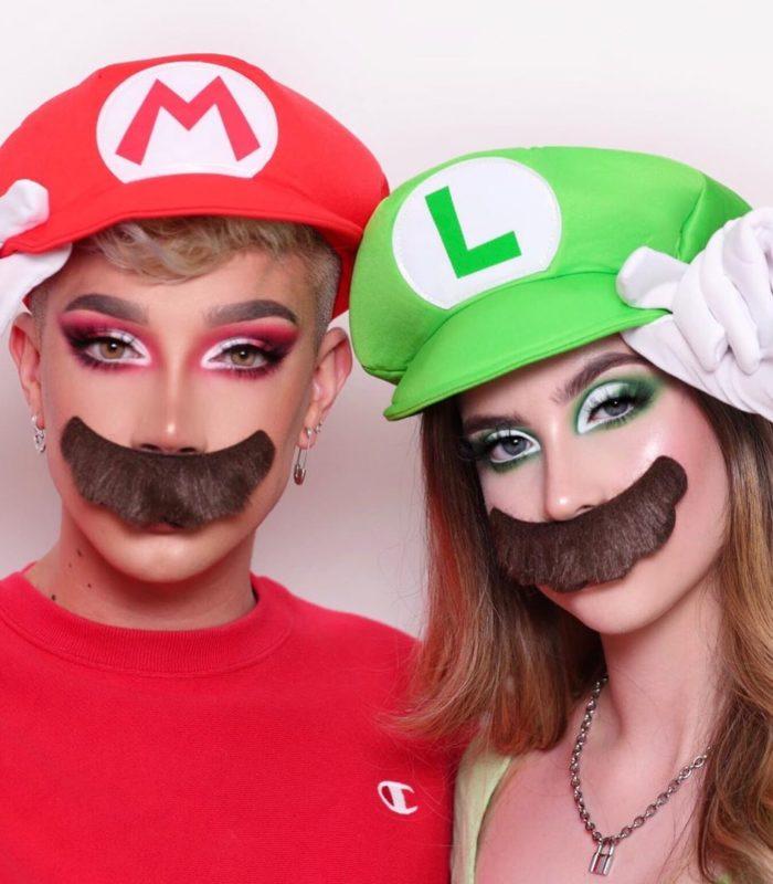 Невероятно! Две сестры создают потрясающие образы, используя только макияж!