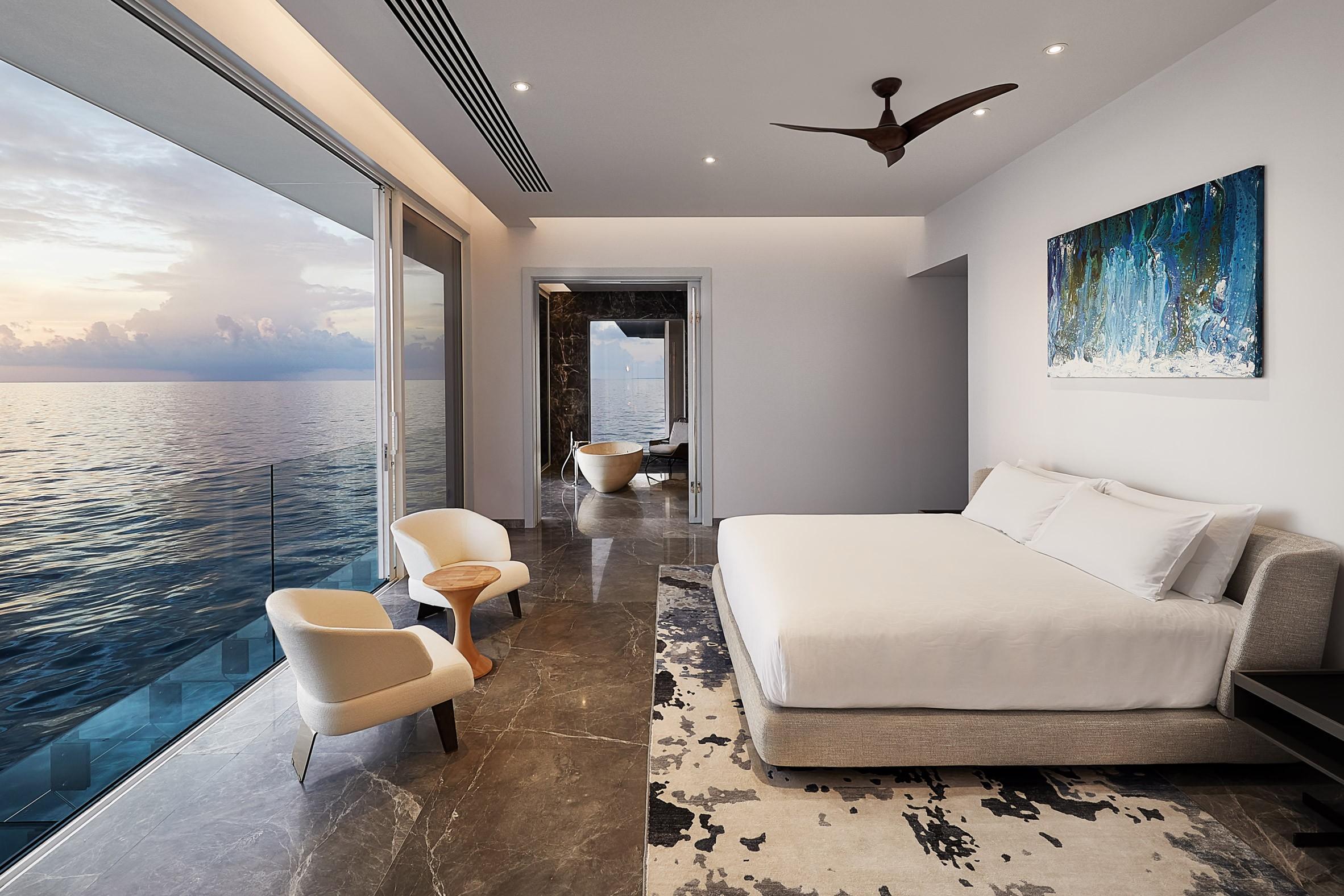 На Мальдивах построена вилла с подводной спальней. Это впечатляет!