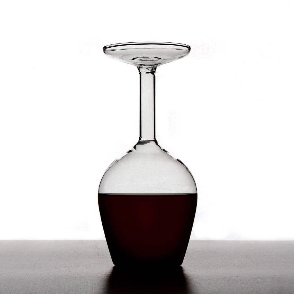 Wine Glass - революция в дизайне стекла, которая буквально перевернет мир с ног на голову!