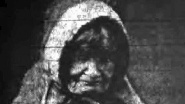 В доме предполагаемой ведьмы была найдена бутылка с антиколдовской жидкостью