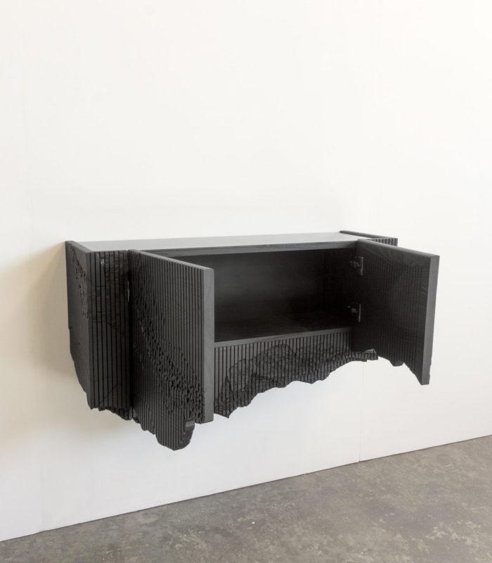 Естественный минимализм! Шкаф, как кусок черного камня.