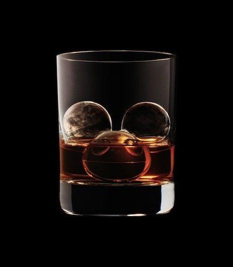 В этом виски особый лед…
