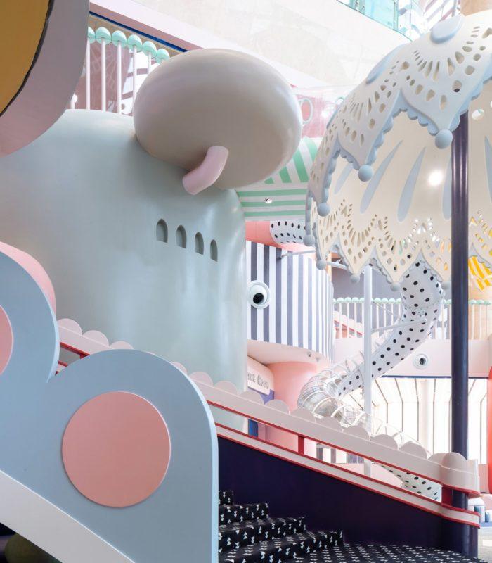 Взрослый мир в миниатюре… Они построили настоящий город для детей!