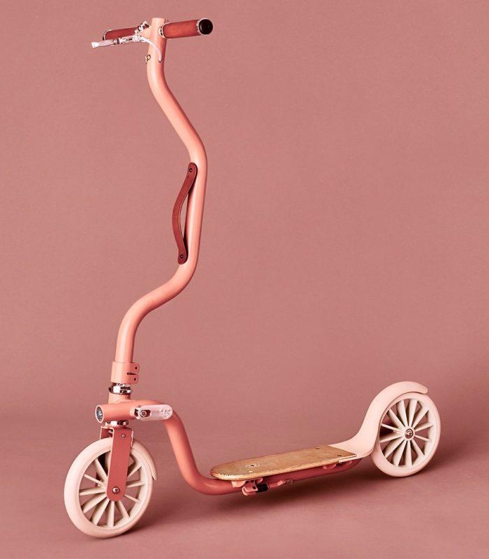 La Galoche – самокат с футуристическим дизайном от творческой студии Désormeaux/Carrette Studio