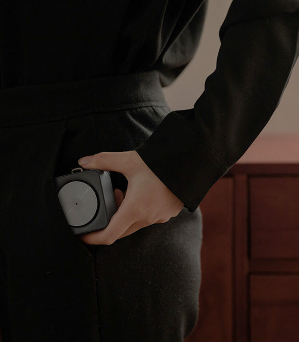Между прошлым и настоящим… Динамик Mini Speaker в стиле пригрывателя…