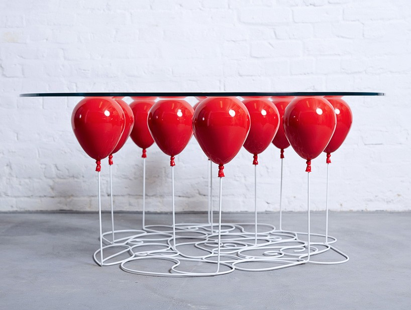 UP Balloon Table - стеклянный стол на воздушных шарах