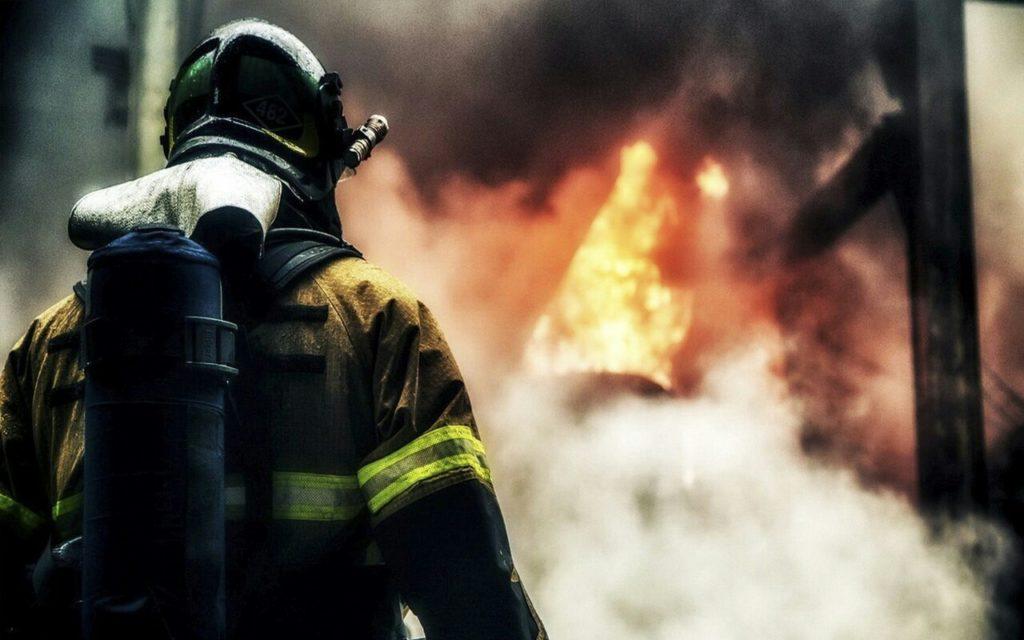Он был пожарным и очень любил свою работу... Всегда оставался оптимистом и постоянно улыбался… Но однажды все изменилось…