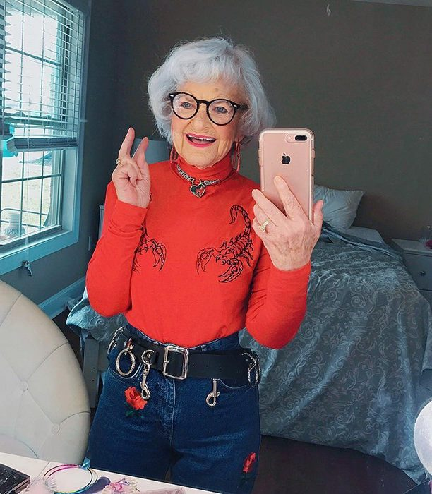 3 миллиона людей следят за иконой Instagram, которая стала сенсацией интернета еще в 2014 году… А ей 92 года!