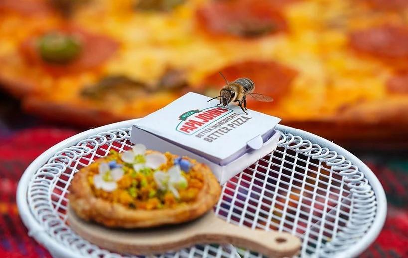 Первая в мире пицца размером всего 2 см! Угадайте для кого?