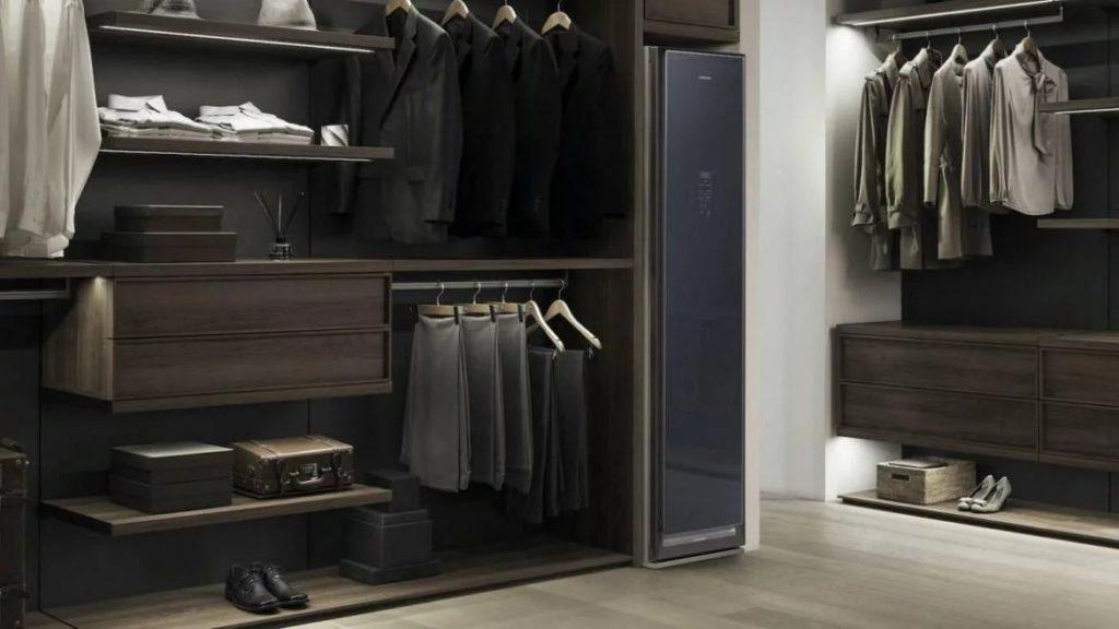 Этот волшебный гардероб не только сохранит вашу одежду, но автоматически очистит ее и погладит!