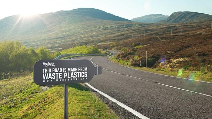 Решение есть! Дорога из пластиковых бутылок. Они в 3 раза прочнее асфальта!