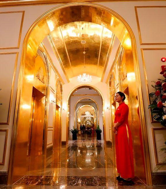 Во Вьетнаме открылся первый в мире позолоченный отель