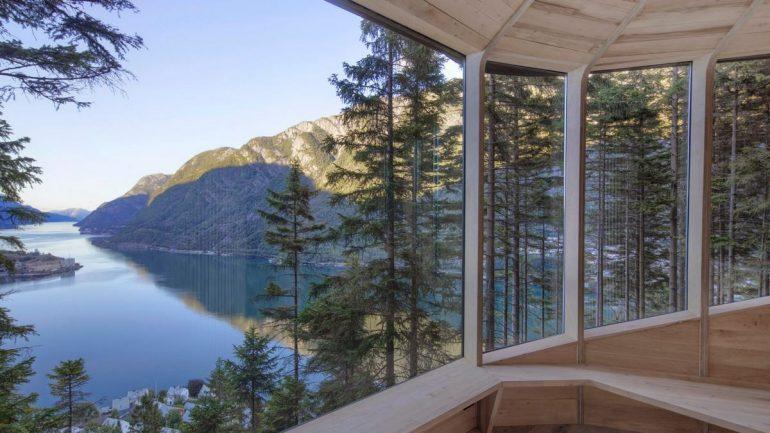 В Норвежском лесу появились необычные домики в форме сосновой шишки