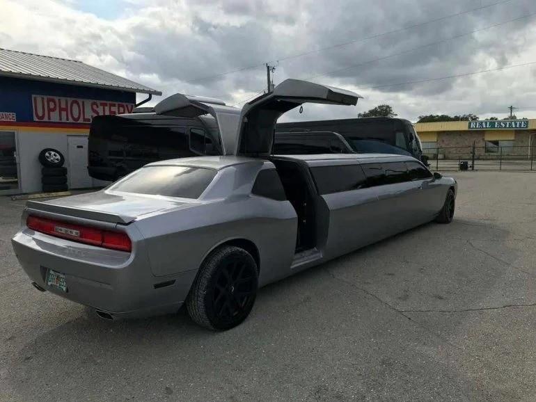 Лимузин Dodge Challenger - автомобильная диковинка с большим телевизором и барной стойкой