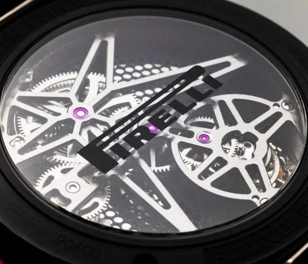 Roger Dubuis представляет трио эксклюзивных часов с парящим турбийоном и каучуковым ремешком из использованной резины от подлинных шин Pirelli