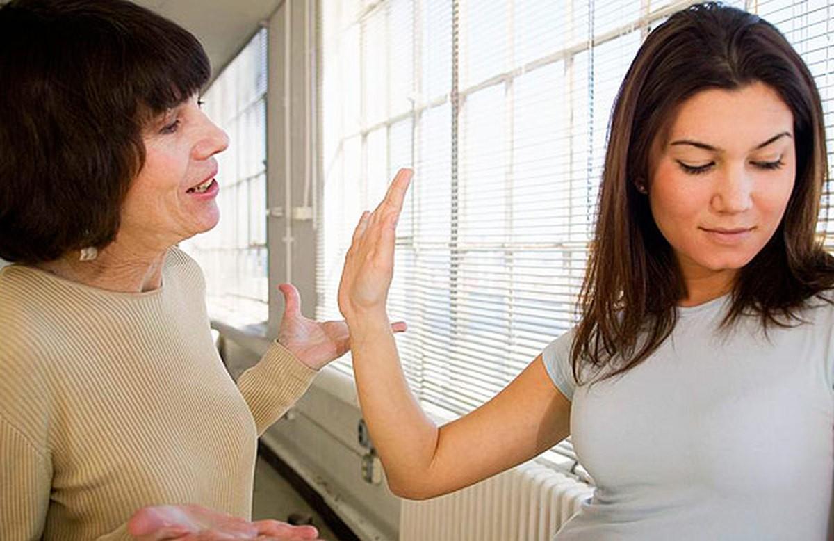 «Неужели это я?» 7 признаков того, что вы «плохая свекровь»
