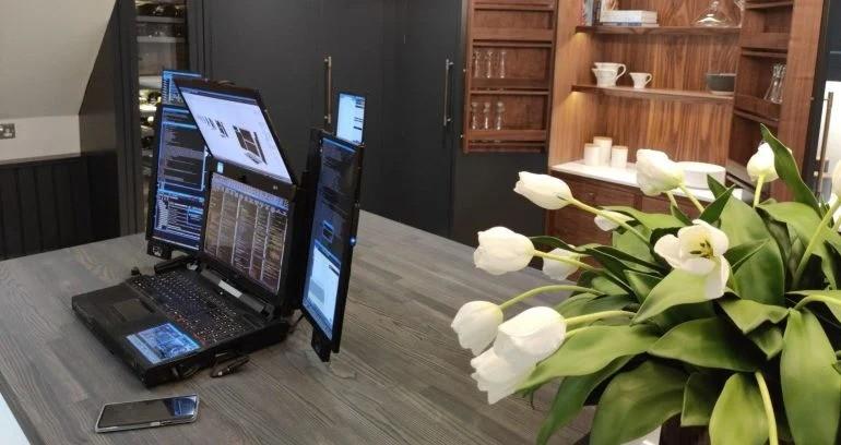 Сбылась мечта биржевого трейдера - эта сверхфункциональная мобильная рабочая станция с 7 дисплеями обойдется в 20 000 долларов