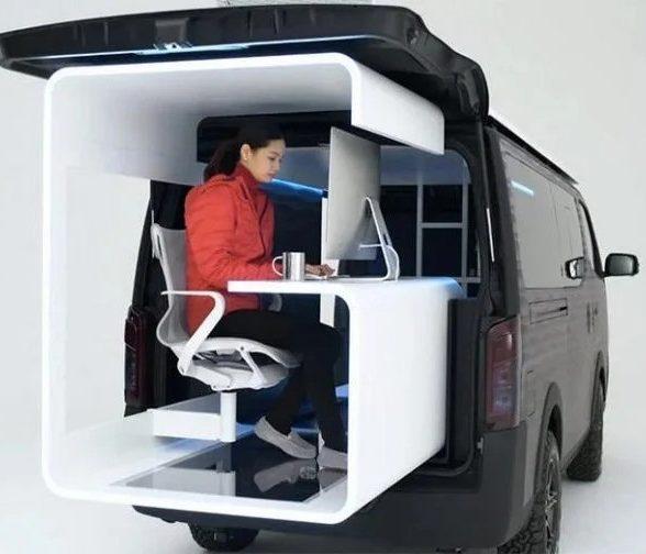 Nissan представил уникальный мобильный офис с террасой на крыше и выдвижным рабочим пространством, управляемым смартфоном
