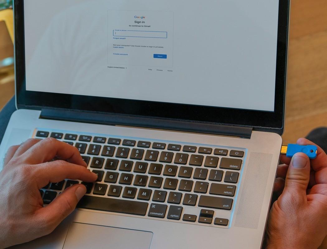 Думаете, как защитить свою почту и соцсети от взлома? Решение найдено – Solo V2 – USB-ключ безопасности!