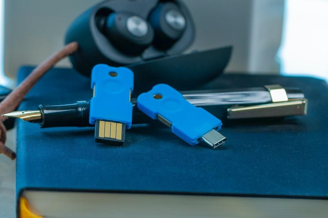 Думаете, как защитить свою почту и соцсети от взлома? Решение найдено - Solo V2 - USB-ключ безопасности!